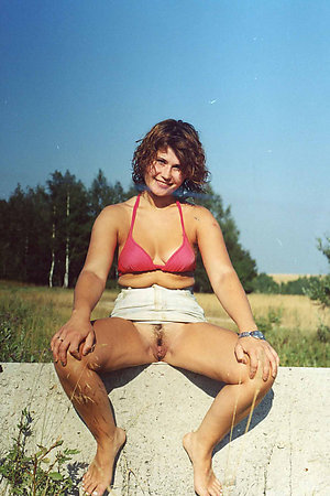 Amateur nudists sucking dicks in public