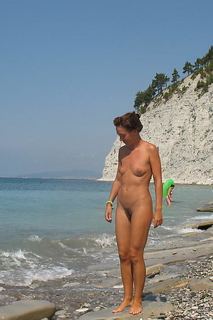 A nude posing on the Surfer's Paradise