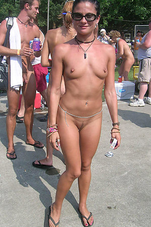 A busty slut at the Plakias