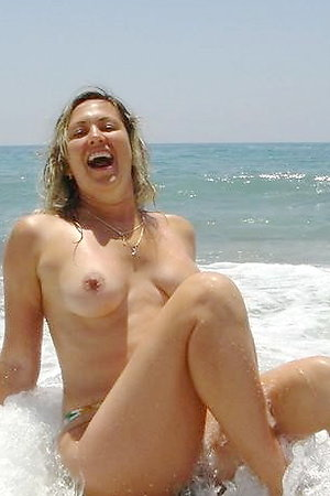 Naked On The Beach! Gallery #25