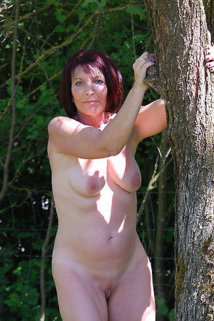 Nudist older ladies trying themselves as an erotic models