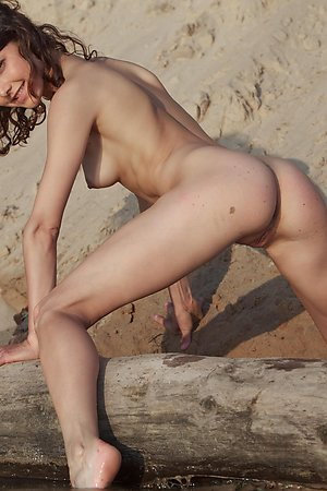 Young nudist girls exposing their assholes