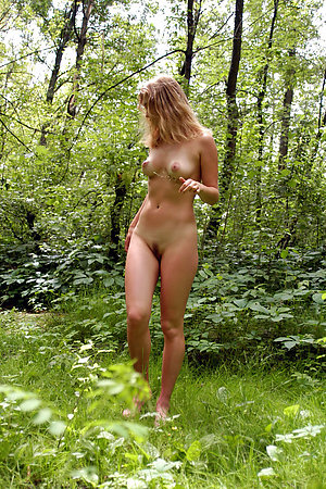 1st time nude outdoor photos of an innocent girls