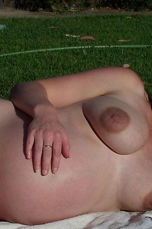 Young pregnant nudist girls with big bellies