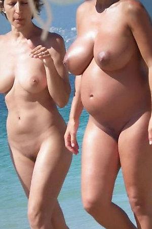 Voyeur photos of pregnant women on beach