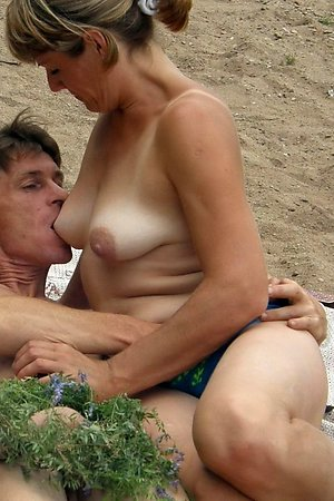 Juggs real amateurs satisfy their passion in private beach