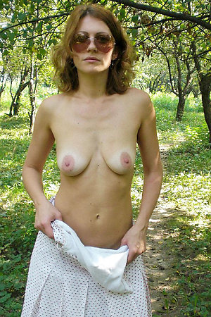 Nude amateurs with open pussies
