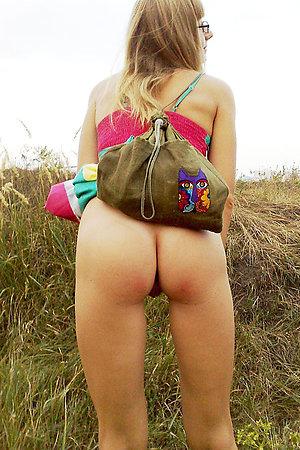 Hot beach blowjob