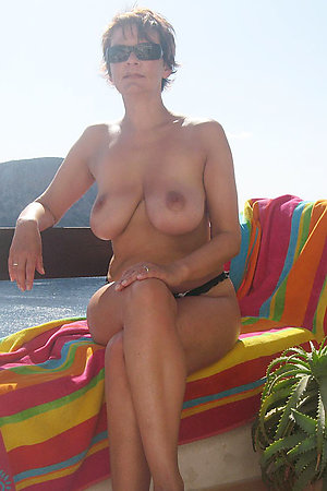 Amateur nudists with dicks and pussies