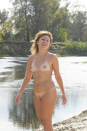 Amateur nudists in hot action